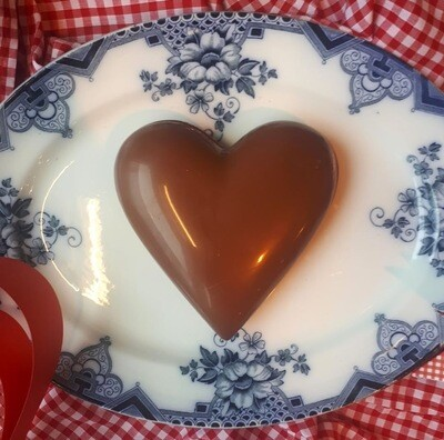 Heart Shaped Shell with 8 Truffles