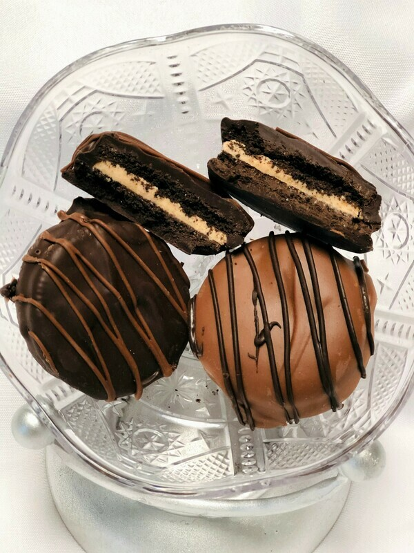 Chocolate Dipped Peanut Butter Oreos (4)
