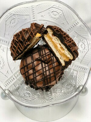 Dark Chocolate Dipped Peanut Butter Ritz (4)