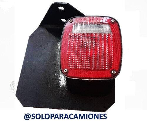 FARO CUADRADO CON BASE DERECHO FREGHTLINER M2-106 / CL-120
