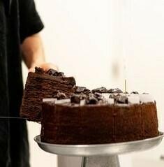 Slice Chocolate Pudding Cake