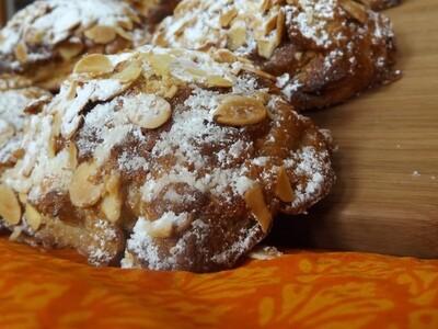 Croissants aux amandes (6)