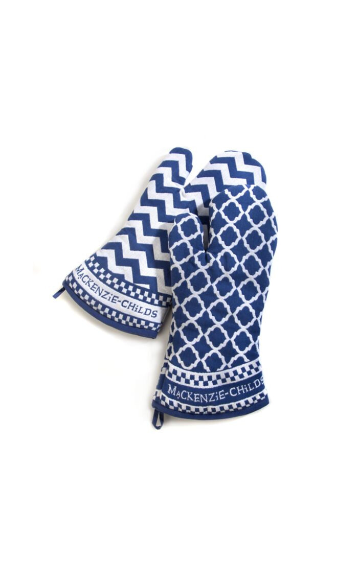 Blue and white zig zag oven mitts set of 2