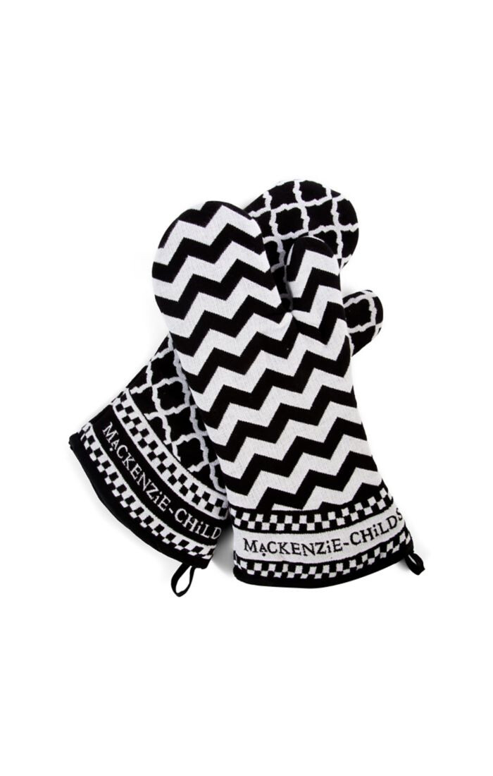 Black and white zig zag oven mitts
