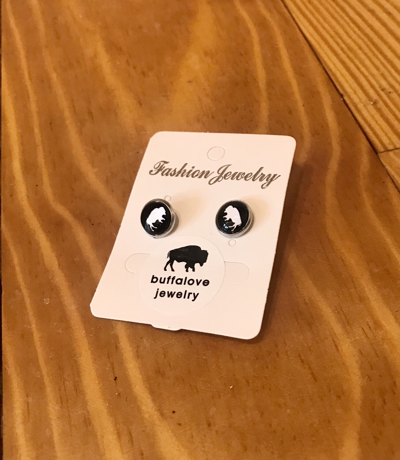 Buffalo earrings studs black