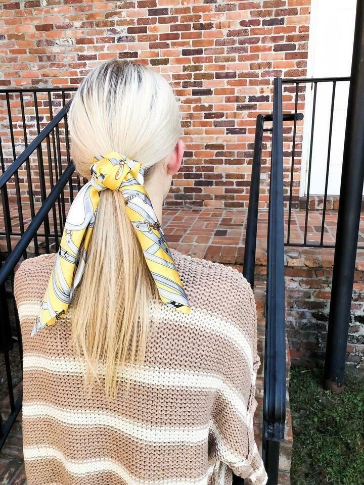 Scarf scrunchie yellow