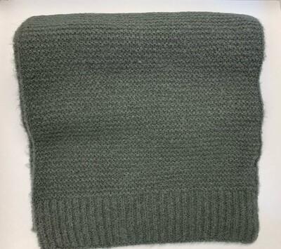 Striped knit scarf gray