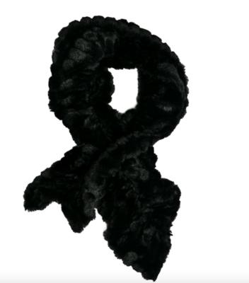 Faux fur key hole scarf black