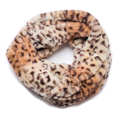 Faux fur loop scarf leopard