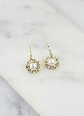 Daisy and pearl drop earring