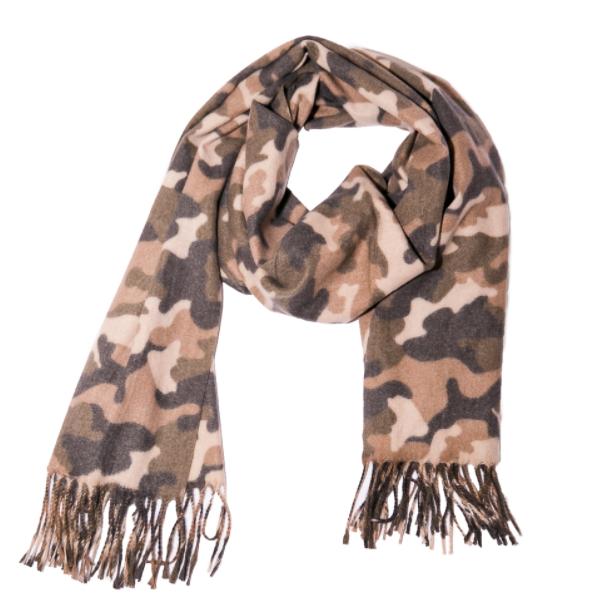 Camo scarf with fringe
