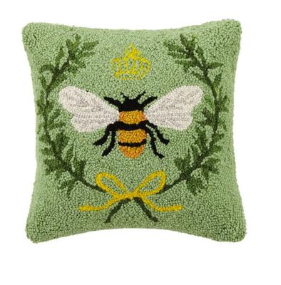 Queen bee pillow 14x14