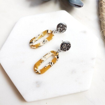 Oval dangle earrings mustard
