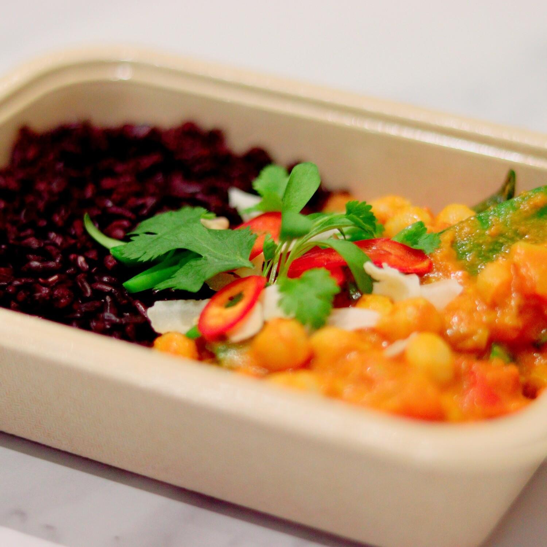Tomato & Chickpea Curry, Black Rice & Fresh Coriander