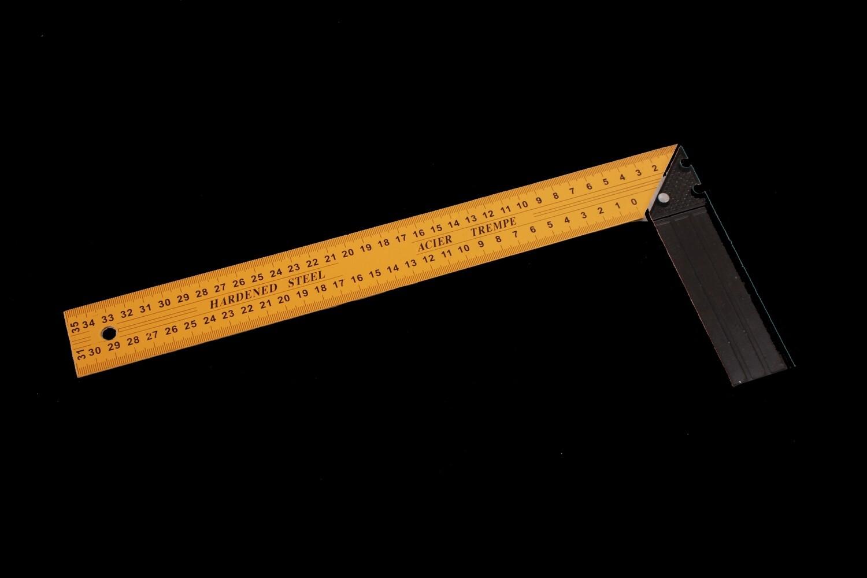 Շին.քանոն-անկյուն 35սմ (դեղին)