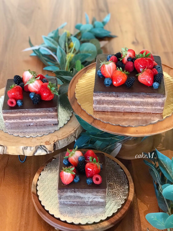 "4""   Chocolate Cake"