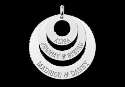Silberne Anhänger mit drei Ringen und Namen