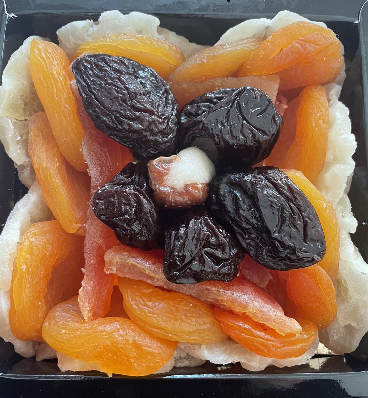 Assortiment de fruits séchés et confies