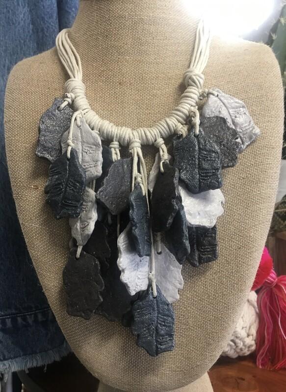 Paper Necklace Multi Leaf 019-11-20