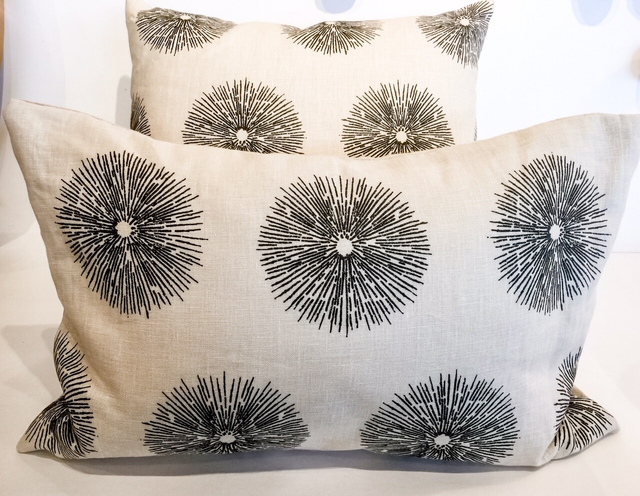 "EN004 Starburst Pillow 14"" x 22"" w/Linen Back"