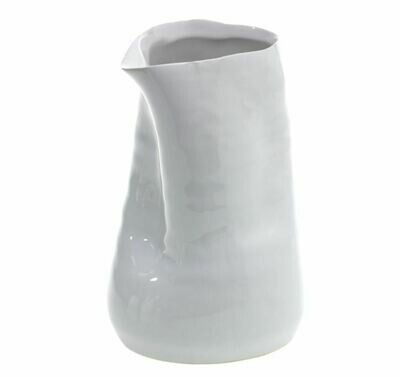 AR127 Freeform Vase - White 4