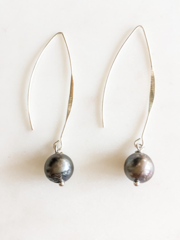 TD442 Silver Wishbone Earrings