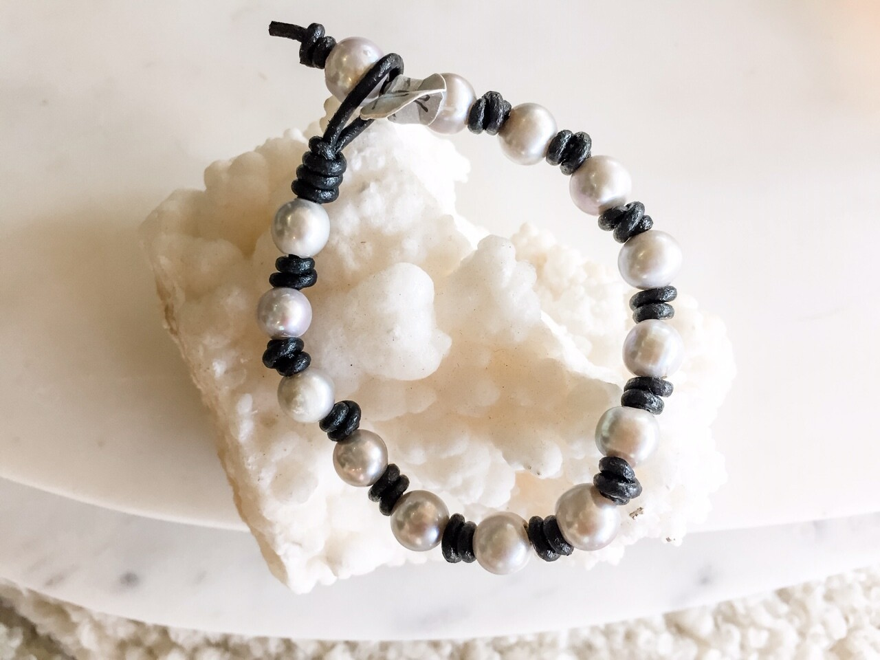 Small Grey Pearl Bracelet with Leather
