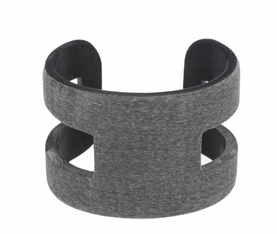 VO008 Buffalo Horn H Cuff - Dark Grey