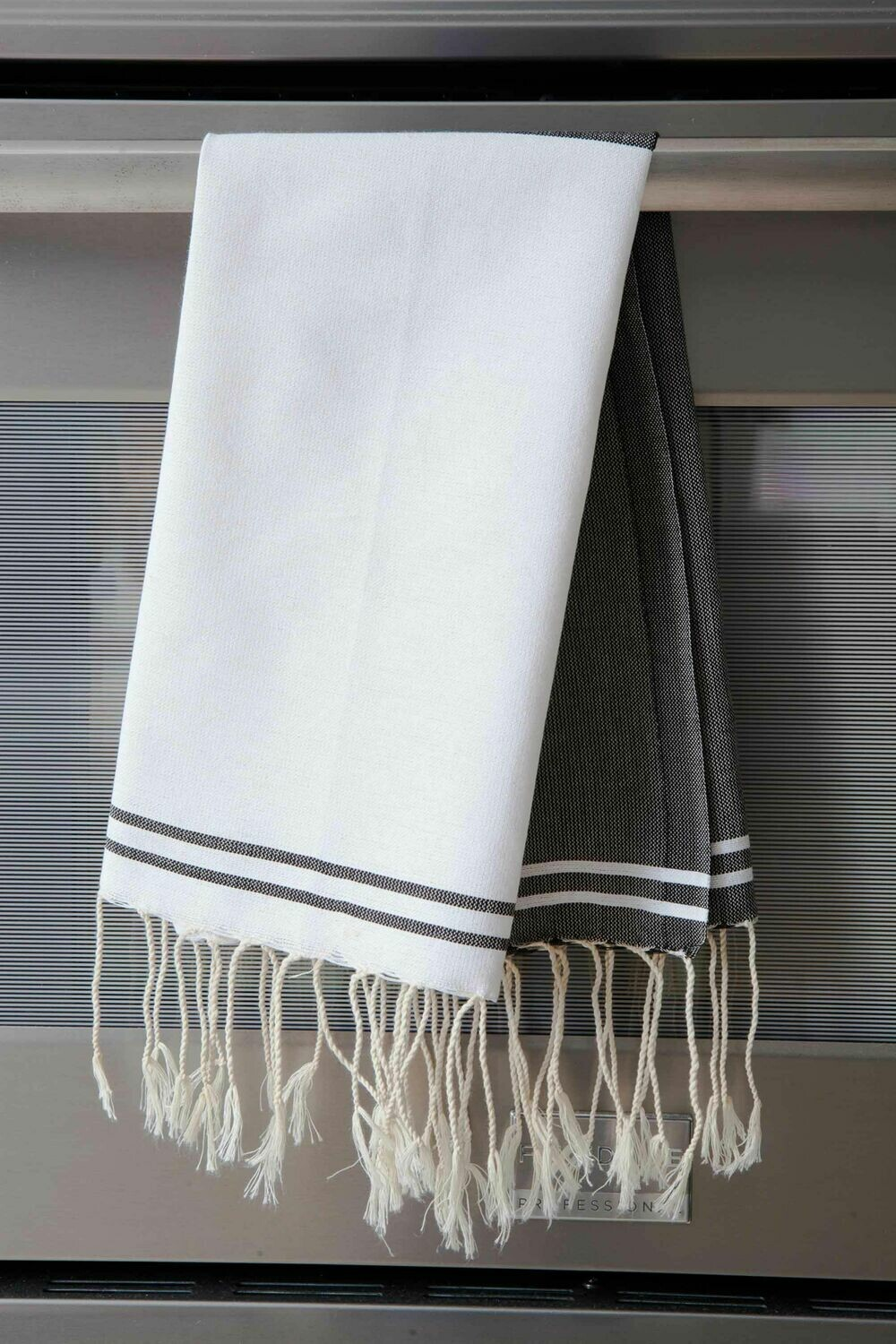 SL108 Guest Towel Half and Half Black + White