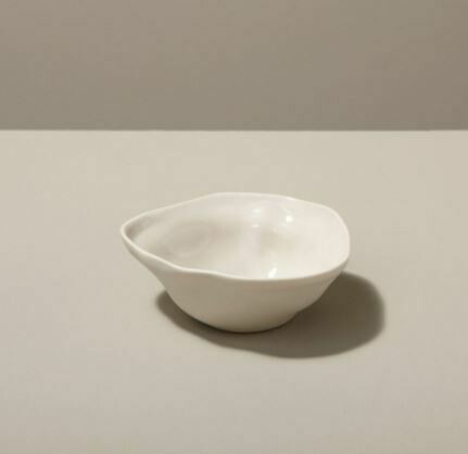 BH030 Stoneware Pinch Bowl, White