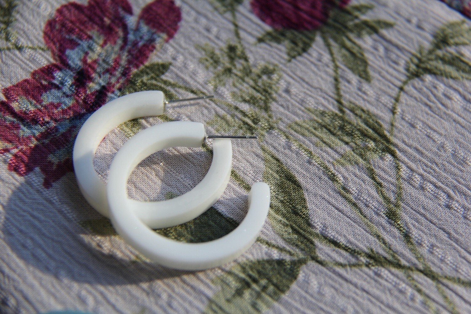 Carmen Hoops - White