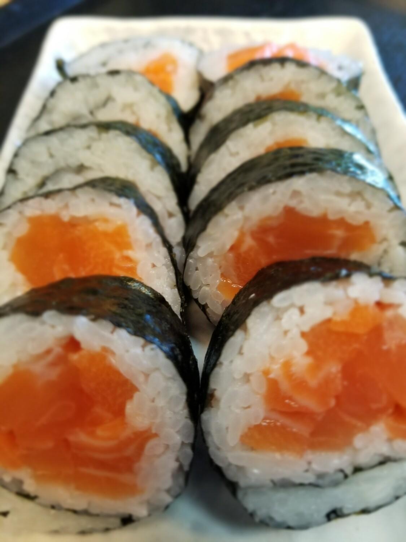 Salmon Roll (Jumbo)