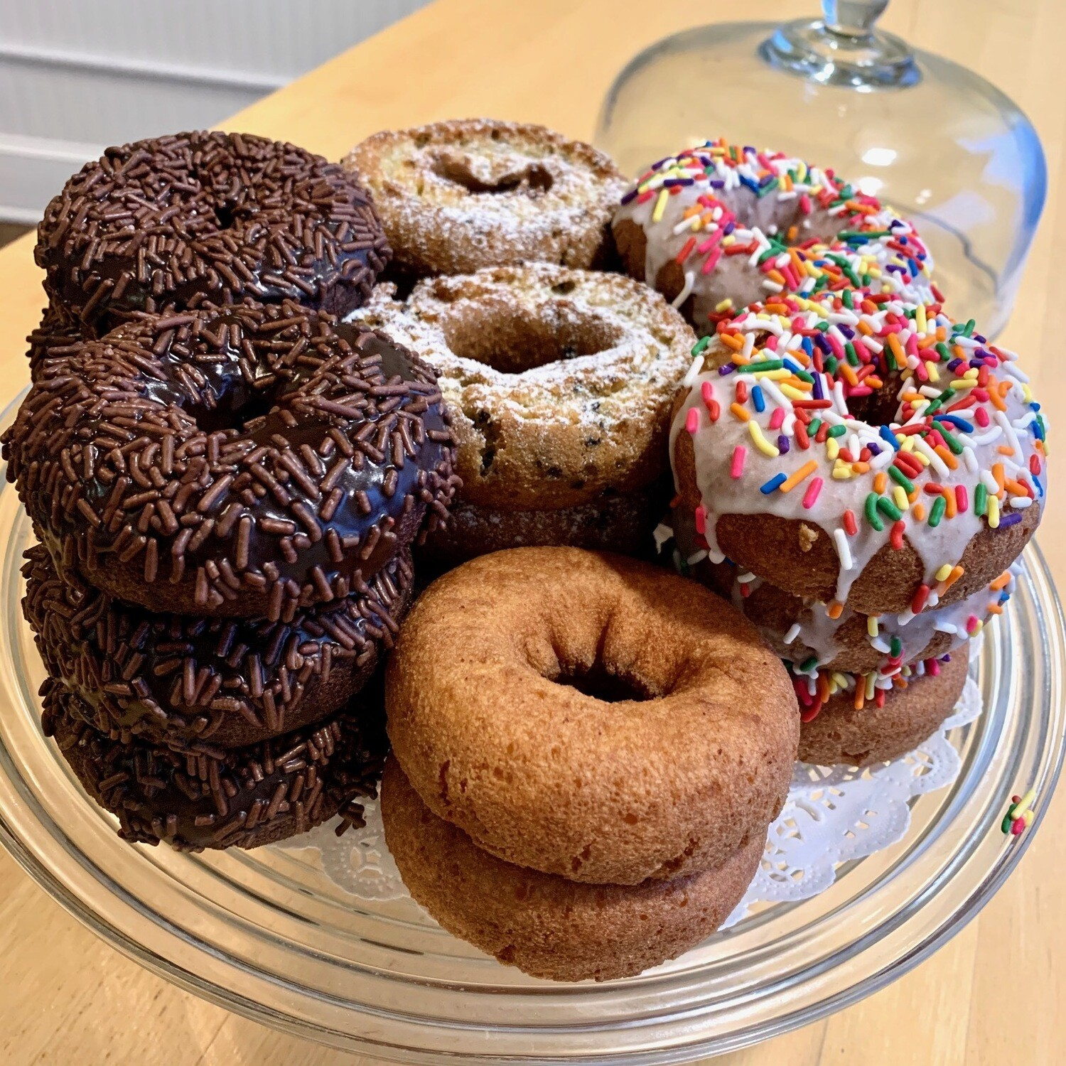 Doughnuts / 6 assorted