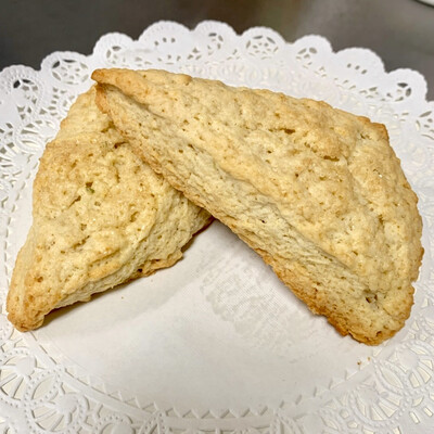 Sweet scones (weekends only)