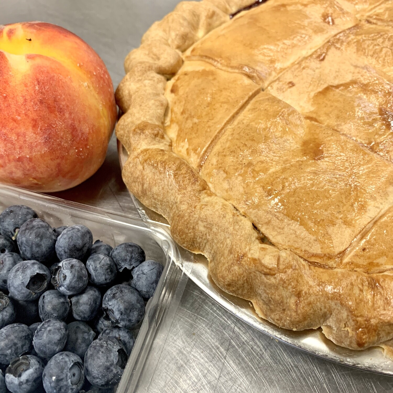 Pie / peach and blueberry
