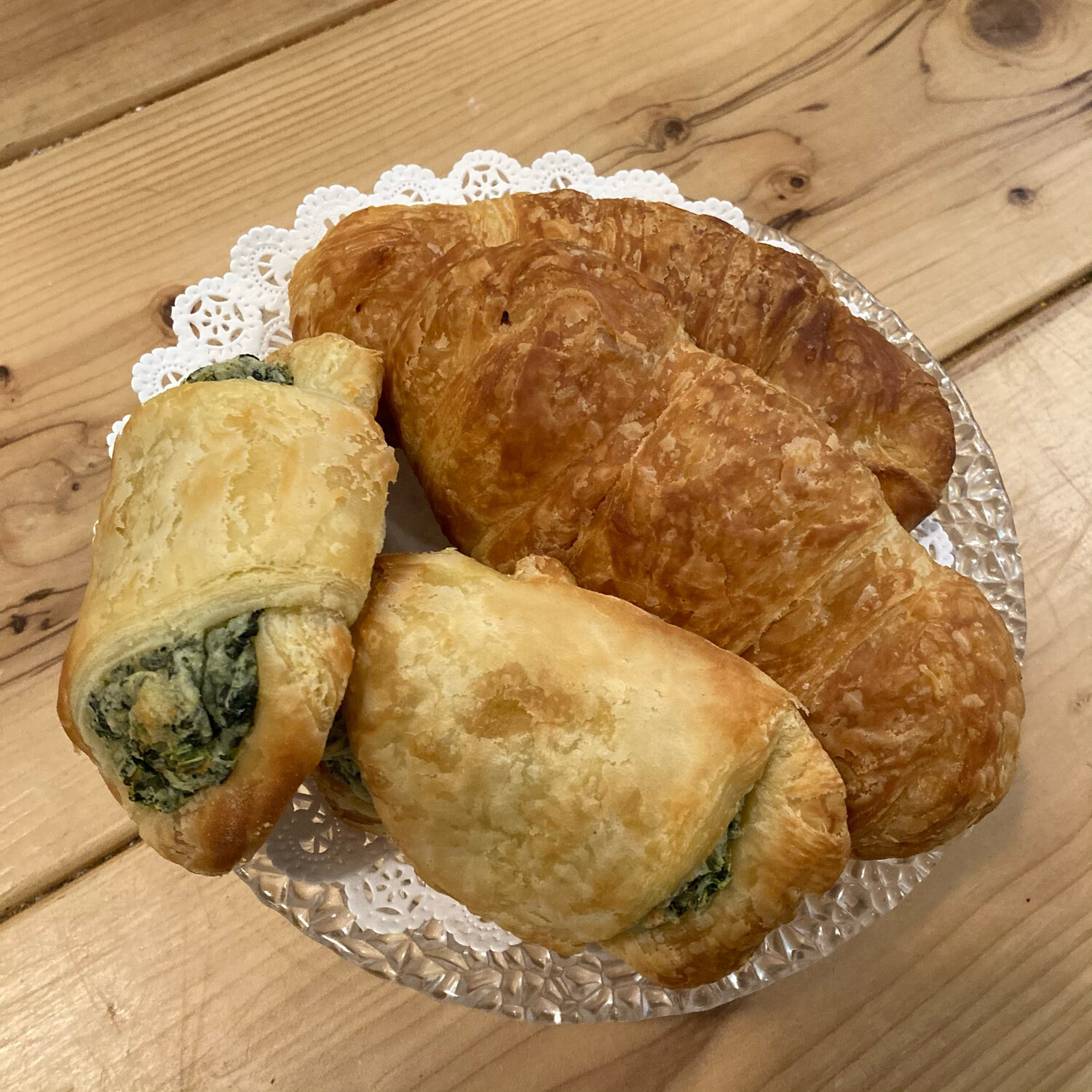 Croissant / 2 spinach feta and  2 ham and cheese