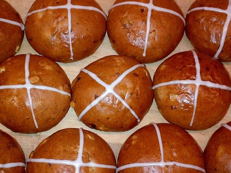 Hot Cross Buns 6 pack - Grainharvest Breadhouse LOCAL