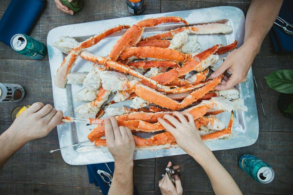 Colossal Red King Crab Legs - per Pound