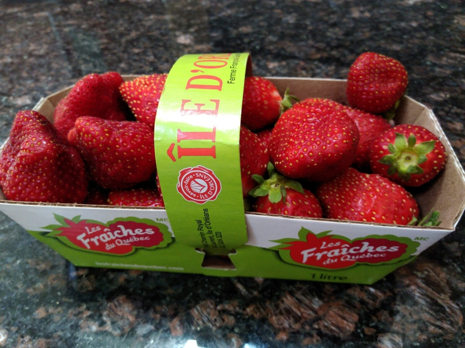 Strawberries Canadian Hothouse - 1litre basket