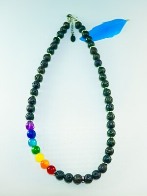Halskette Lava mit Shakrasteinen