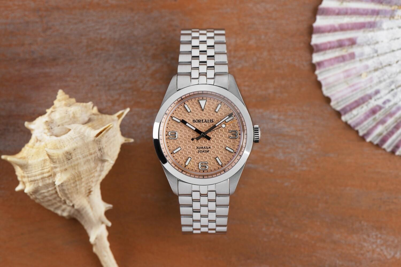 Borealis Adraga Stainless Steel Miyota 90S5 salmon dial with flag pattern commando hands no Date BGW9 lume