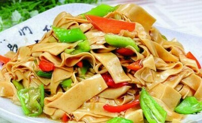 【新疆烧烤】Fried Dry Bean Curd & Sliced Green Pepper 东北尖椒干豆腐 (Closed Tuesday)