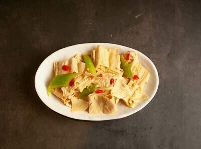 【包十一】Celery W. Bean Curd 芹菜拌腐竹 (Closed Tuesday)