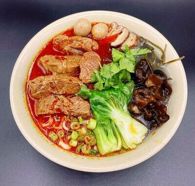【九福米线】Spicy Beef W. Potato/Rice Noodles 香辣牛肉米线/土豆粉