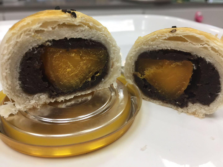 【喜甜】yolk pastry 蛋黄酥 (Closed Monday)