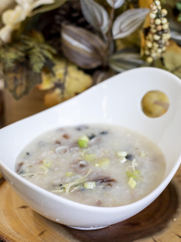 【一点心】Pork Porridge with egg 皮蛋瘦肉粥 64 oz (特大家庭装)(Thursday & Friday)