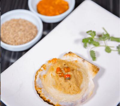 【新疆烧烤】Half Shell Scallop w/ Vermicelli & Thai Chili Garlic Sauce 烤扇贝(Closed Tuesday)