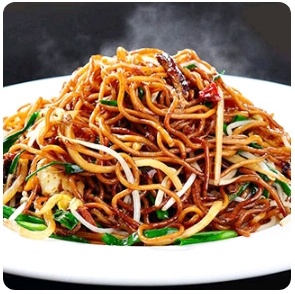 【弄堂里】Stir-Fried Wide & Flat Noodles W. Shredded Pork & Chinese Cabbages & Onions In A Traditional Shanghai Flavor 上海粗炒面(Closed Monday)