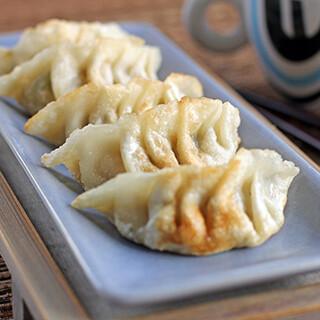 【华洋】Pan Fried Dumplings 煎饺