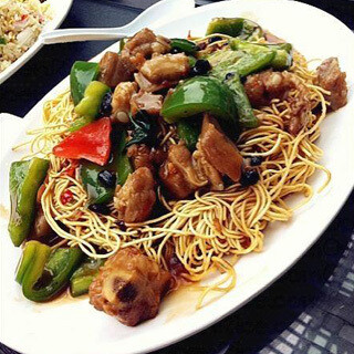 【华洋】Noodle W. Spare Ribs Bell Pepper Black Bean Sauce 豉椒排骨炒面